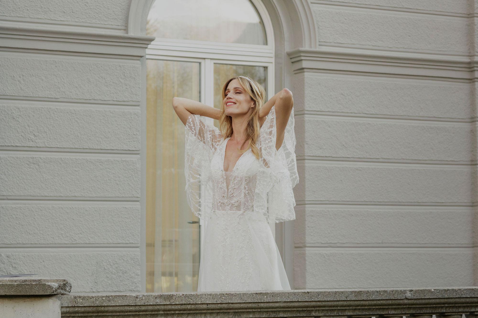 895c3db955301d Reserviere noch heute einen Termin in einer unserer Boutiquen und schnappe  dir eines unserer schönsten Kleider